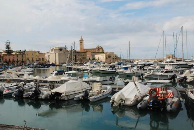 Im Hafen von Trani